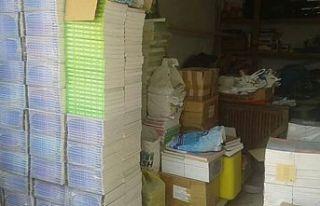 Emekli Öğretmenden KHYD'ye kitap bağışı