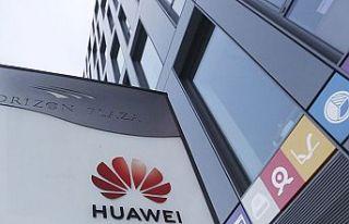 """""""Huawei, yeni işletim sistemi için Rusya ile görüşüyor"""""""