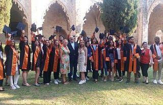 Kıbrıs İlim Üniversitesi mezuniyet töreni Bellapaıs'ta...