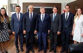 Kuzey Kıbrıs Turkcell Genel Müdürü Maden, Taçoy'u...