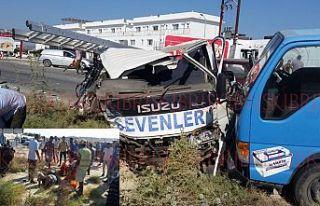6 araç birbirine girdi: 5 kişi yaralandı