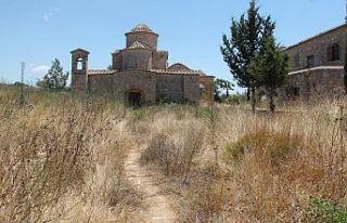 Kanakaria Kilisesi yılan yuvası oldu!