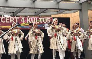 Yeniboğaziçi Belediyesi Halk Dansları Topluluğu...