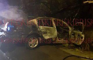 Kaza yapan otomobil cayır cayır yandı!