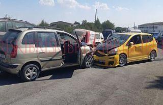 Lefkoşa sanayi bölgesinde kaza, yüzyüze çarpıştılar