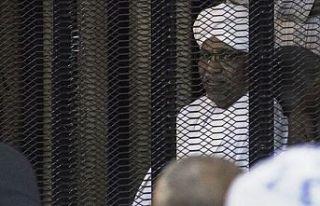 Devrik lidere yolsuzluktan hapis
