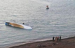 Van Gölü'nde mülteci teknesi battı