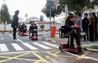 """""""Farkındalık ve trafikte kuralları bilerek davranmak,..."""