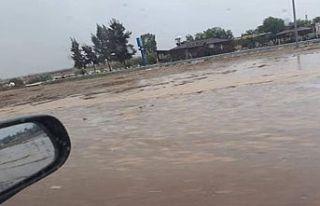 Lefkoşa-Gazimağusa yolunun bir bölümü su altında