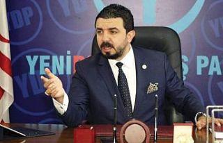 """Zaroğlu Tatar'ı kutladı ve """"Baybars bu açıklamadan..."""