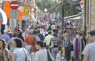 Güney Kıbrıs'ta kağıt üstünde 17 bin Türk...