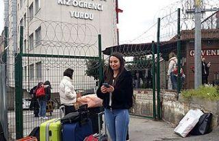 İstanbul'da üç öğrenci yurdu karantina için...