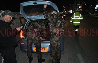 Polis araçları didik didik aradı