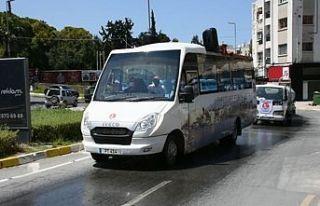 Girne Belediyesi müzik eşliğinde cadde ve sokaklarda...