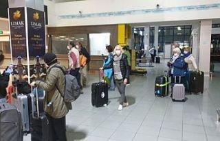 Üstel: Karantinadaki 28 Alman turist bu sabah ülkelerine...