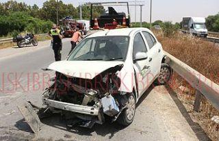 Araç kontrolden çıktı, sürücü hafif yaralandı
