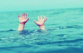 Boğulma tehlikesi geçiren küçük çocuk yoğun...