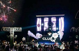 Club Q fark yaratıyor