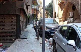 Beyrut'ta halk sokakları kendi çabalarıyla...