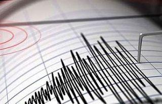 Endonezya'da 6.9 büyüklüğünde deprem