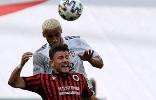 Beşiktaş eriyor: 1-0