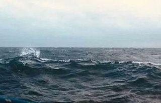 Denizde kaybolan 60 yaşındaki yüzücüyü sahil...