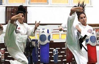 Taekwondoda çekişme sürüyor