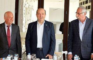 Cumhurbaşkanı Tatar, Girne'de vatandaşlarla bir...
