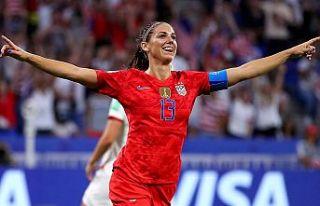 Kadın futbolcular için doğum izni