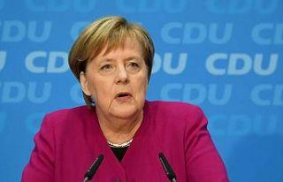 Merkel, yoksul ülkelerin aşıya erişimi konusunda...