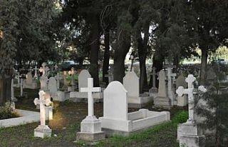 Girne Belediyesi İngiliz mezarlığını yeniden...