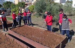 "Yeniboğaziçi'nde Toprak ana/Tetra madre"" etkinliği"