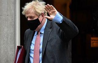 """Boris Johnson açıkladı:""""İngiltere'ye giriş..."""