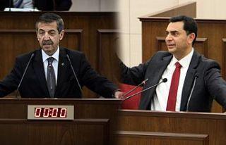 Eski ve yeni Dışişleri Bakanı Mecliste ters düştü