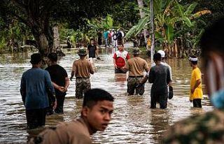 Malezya'daki sel baskınları devam ediyor: 8...