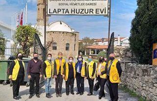 Dört Lions Kulübünden Lapta Huzurevi'ne giysi,...