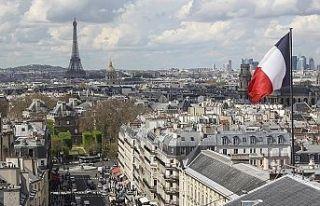 Fransa'da hükümet yeni terörle mücadele yasasını...