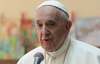 Papa, Paskalya mesajında yoksul ülkelere aşı temin...