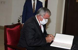 Sennaroğlu, Büyükelçilik'te açılan taziye...