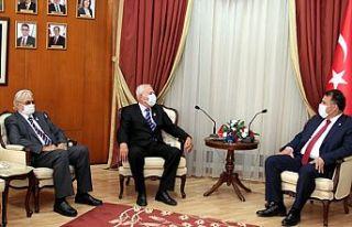 Başbakan Saner TMT Mücahitler Derneği'ni kabul...