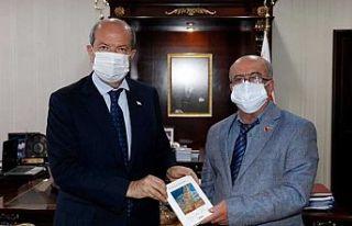 Cumhurbaşkanı Tatar, gazeteci Azizoğlu'nu kabul...