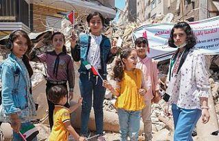 Gazzeli çocuklar uluslararası kurumlardan İsrail...