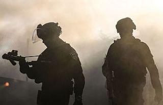 İsrail askerleri Batı Şeria'da Filistin kızılayına...