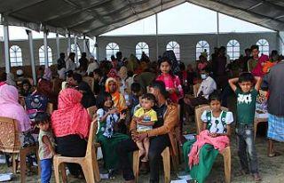 BM yetkilileri Bangladeş'te Arakanlı Müslümanların...
