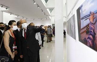 """Cumhurbaşkanı Tatar """"Işıkla Yolculuk"""" Fotoğraf..."""