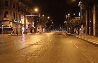 Polis dün geceki denetimlerinde sokağa çıkma yasağını...
