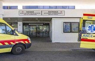 Güney Kıbrıs'ta hastanelerde tedavi gören yaşlıların...