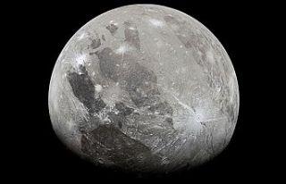 Jüpiter'in en büyük uydusu Ganymede'de...