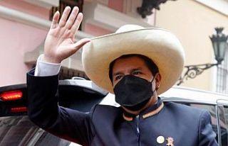 Peru'nun yeni devlet başkanı Pedro Castıllo yemin...