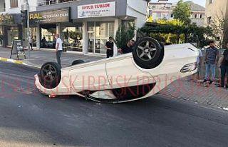Bir araç takla attıiki kişi yaralandı